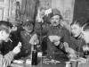 Horváth János és katonatársai kártyáznak