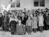 Végvári László tanár úr és mind a nyolc valkonyai osztály